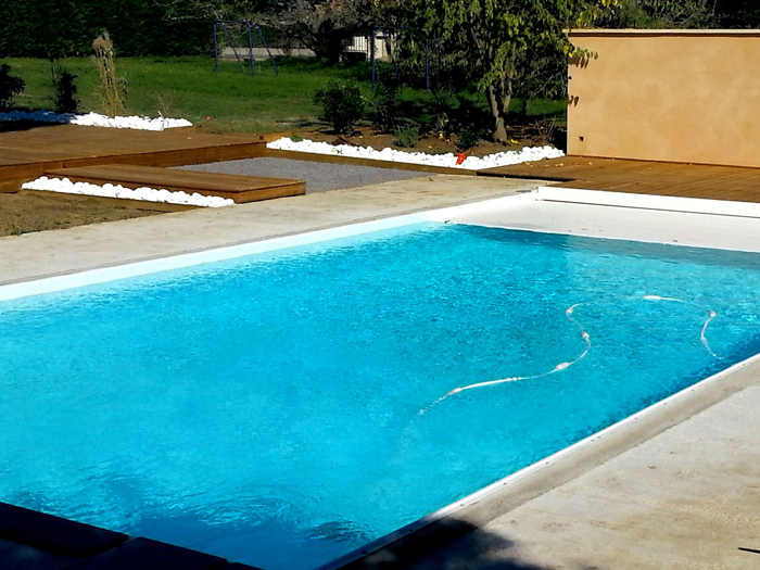 Construction de piscine b ton kit solidpool swiss heaven for Construction piscine kit